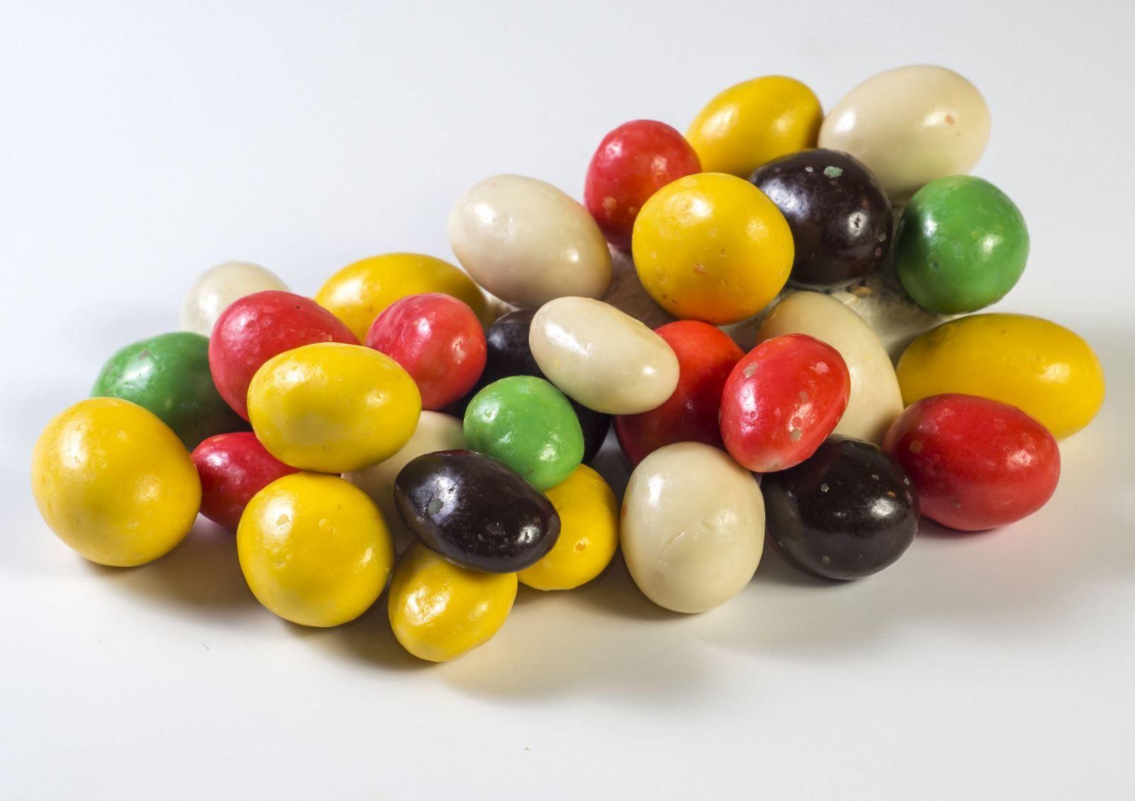 Домашний арахис в цветной глазури