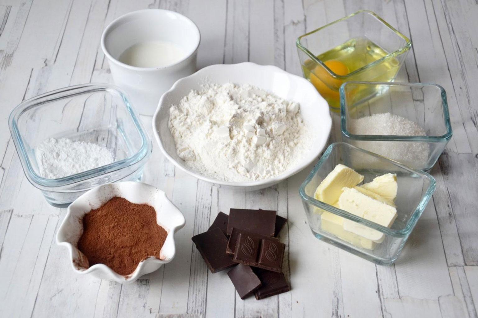 Ингредиенты для приготовления шоколадных маффинов с творогом