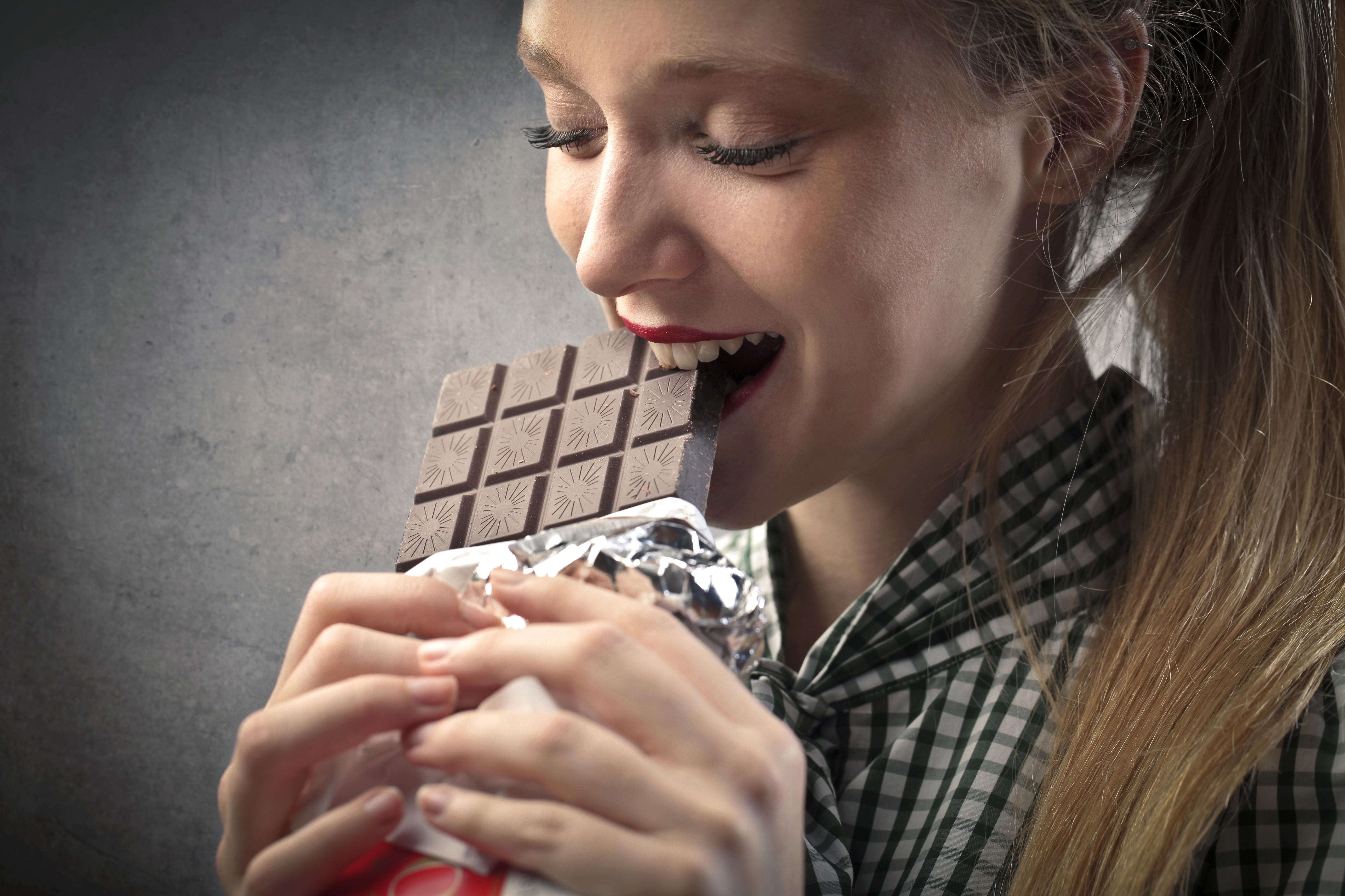 Полезно ли есть молочный шоколад