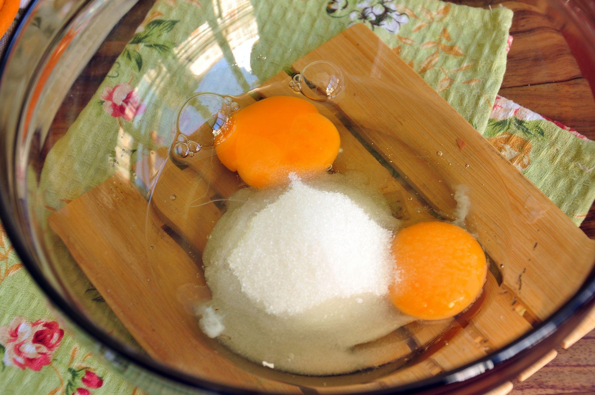 Яйца с сахаром для приготовления крема