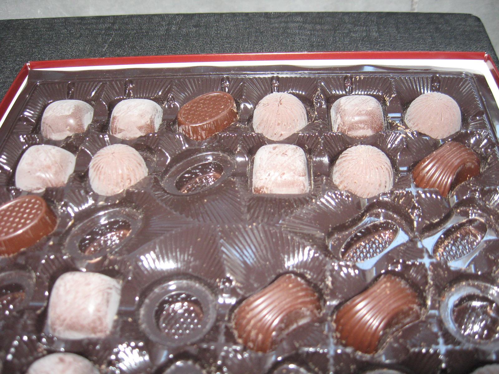 Белый налет на шоколадных конфетах