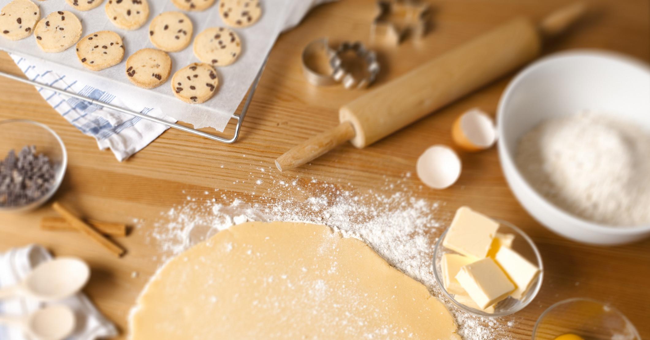 Ингредиенты и тесто для песочного печенья