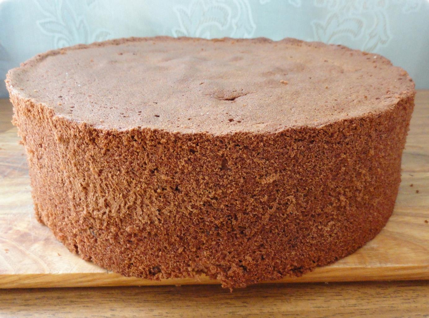 Шоколадный торт в мультиварке из классического бисквита