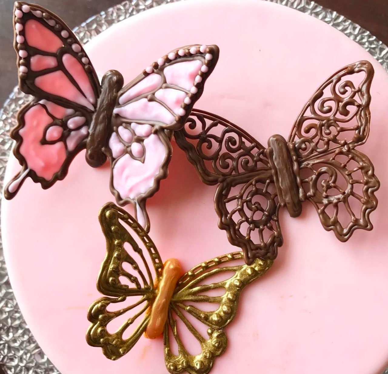 Шоколадные бабочки для торта