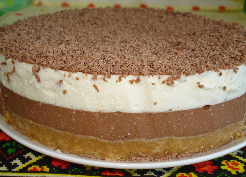 Чизкейк из творога с черным и белым шоколадом