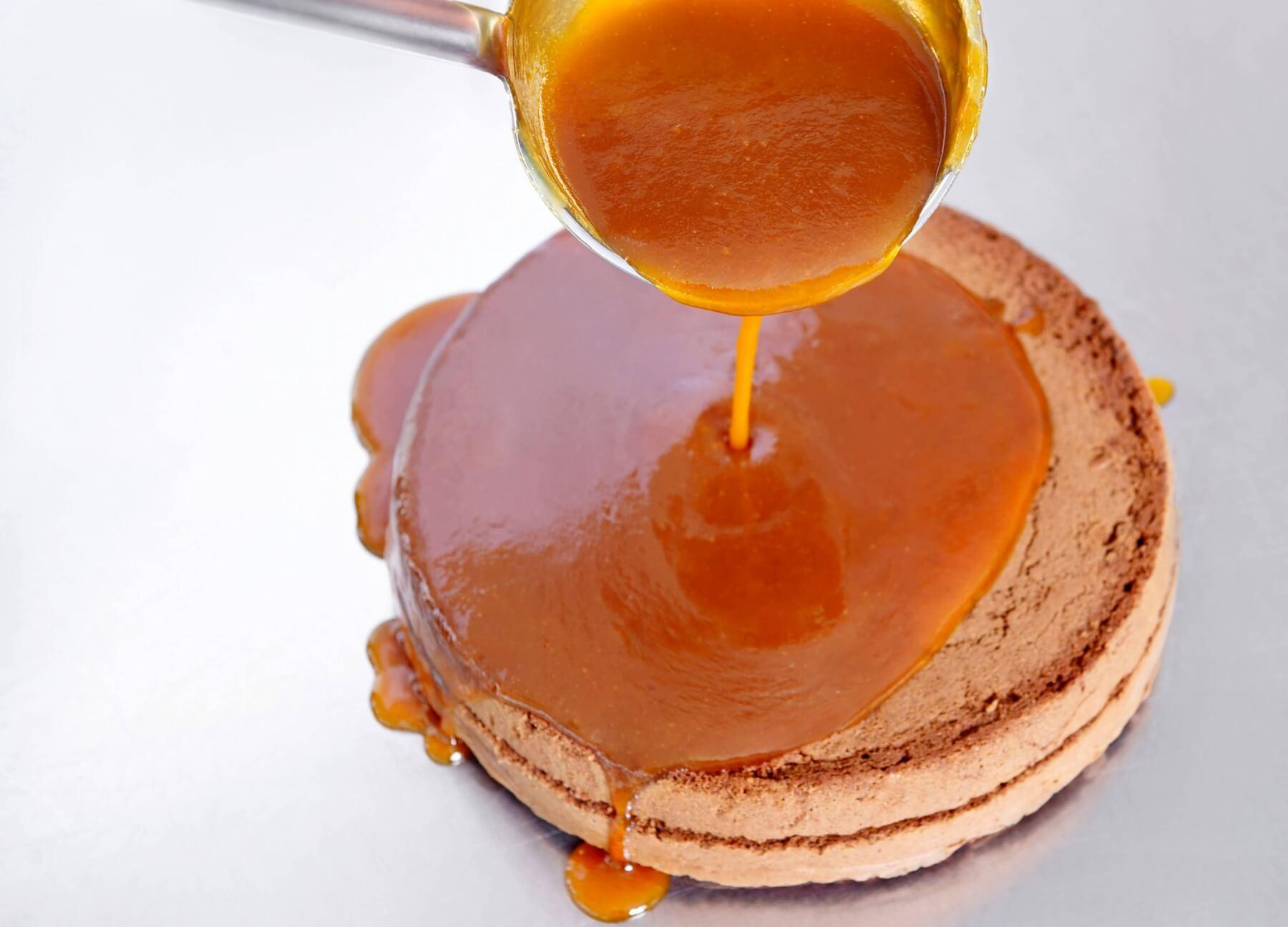 Прослойка из абрикосового джема
