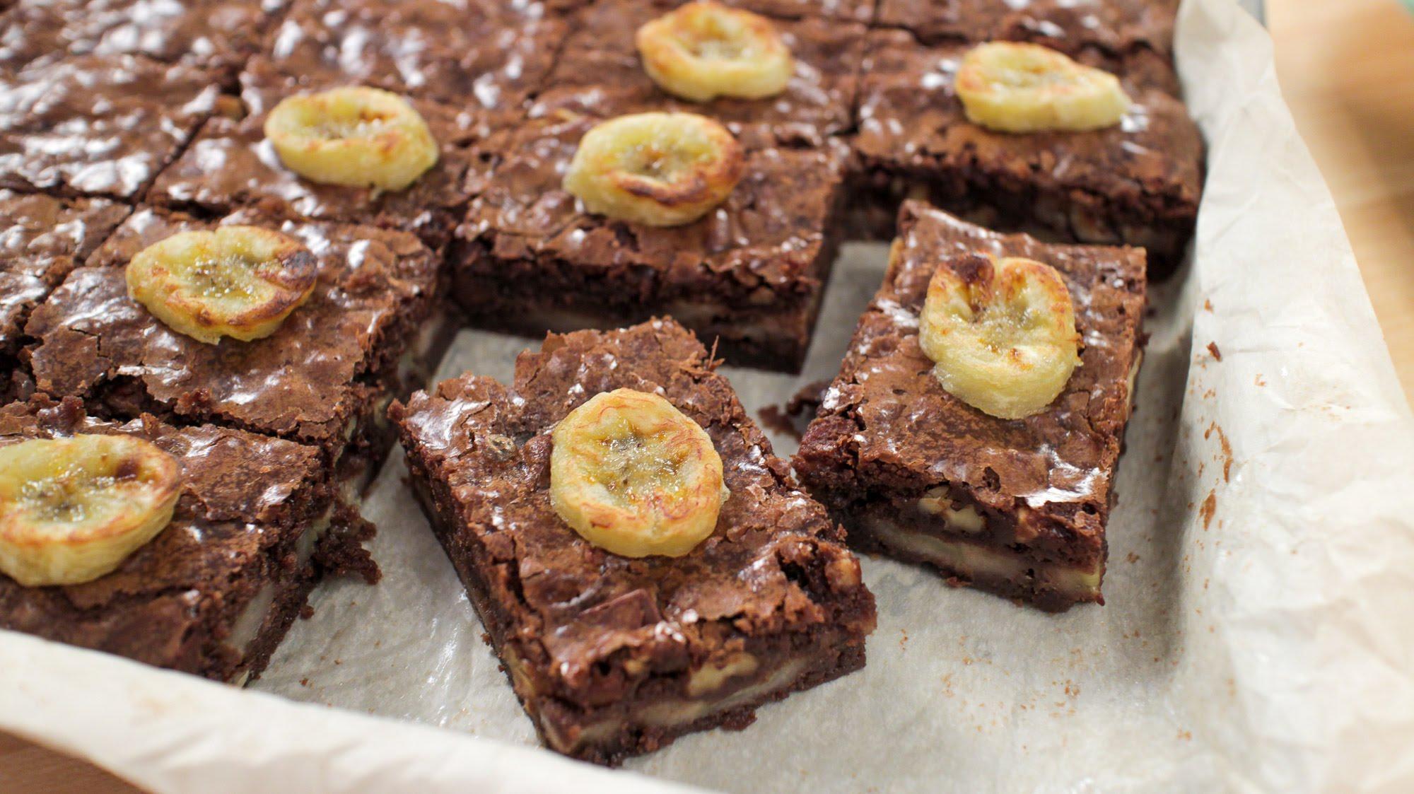 Шоколадный брауни с бананом