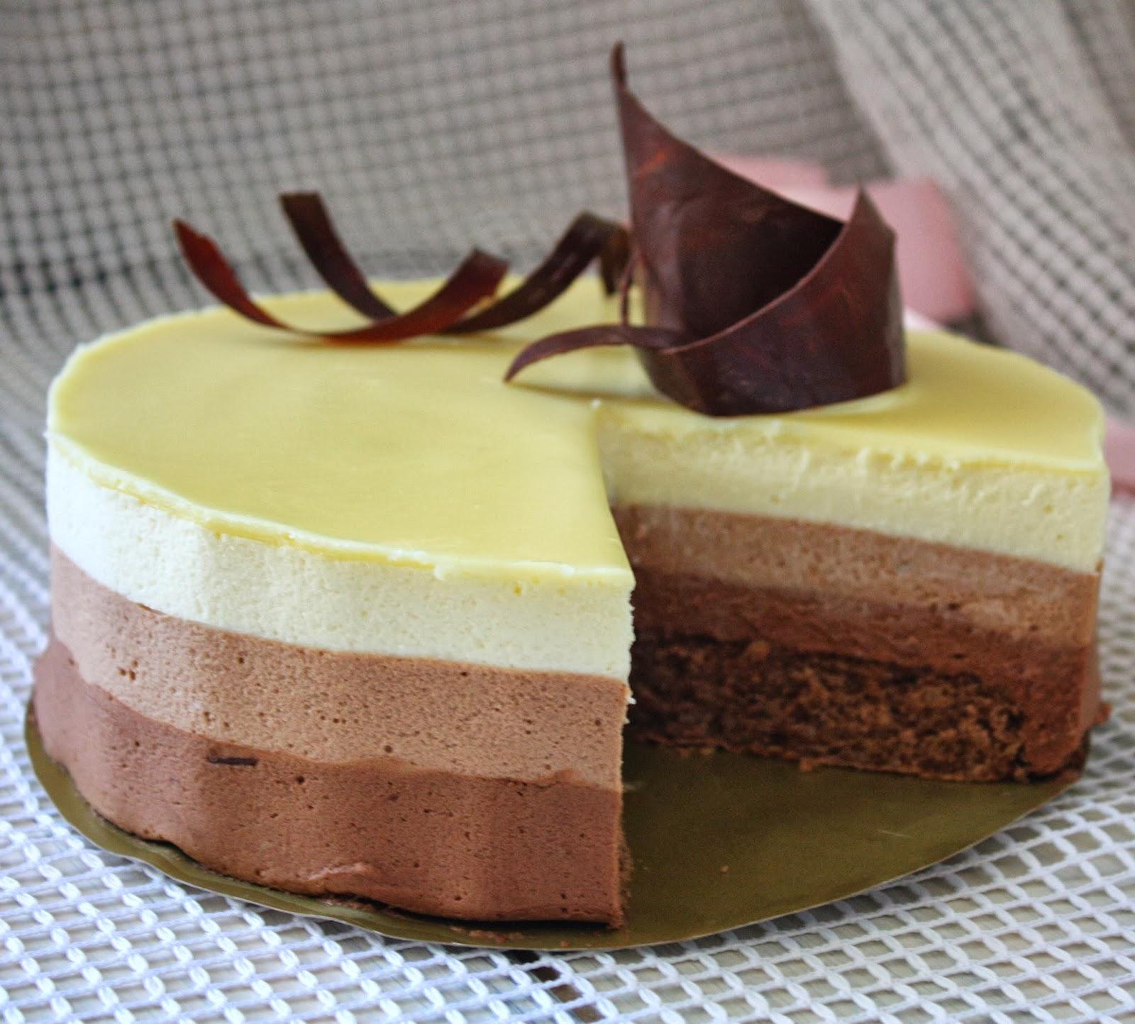 Украсить торт шоколадными завитками