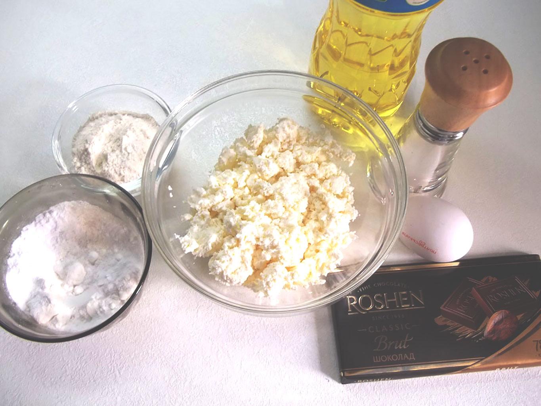 Ингредиенты для шоколадного пирога с творожными шариками