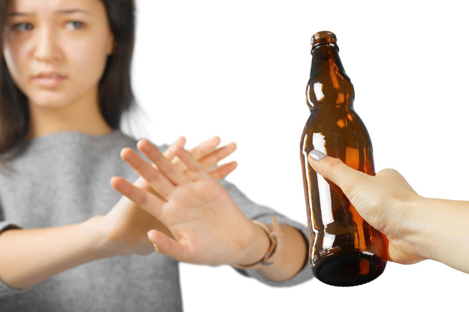 Отказ от алкоголя во время диеты