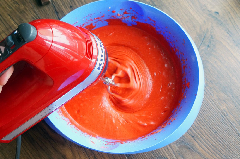 Приготовление цветной глазури