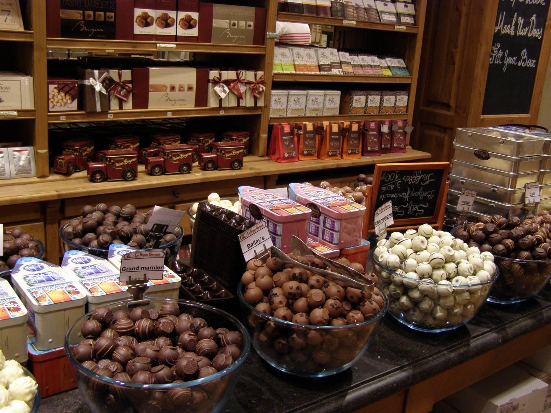 Хранение молочного шоколада в магазине