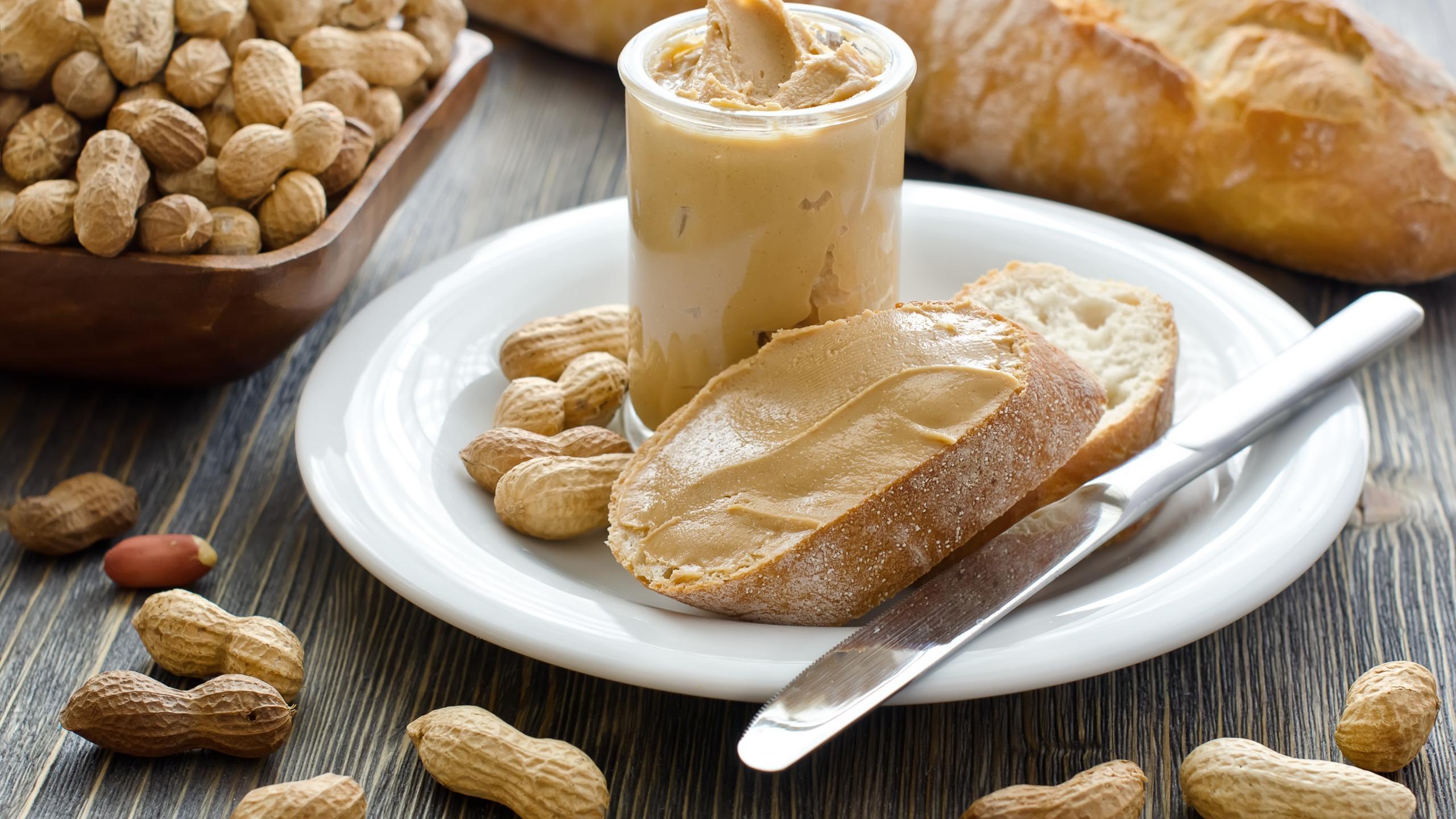 Ореховая паста с хлебом