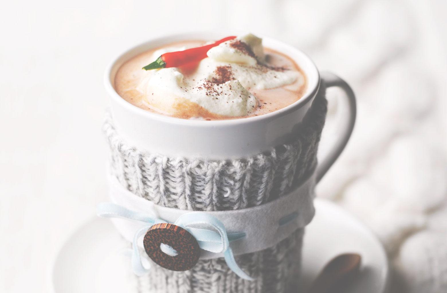 Шоколадный напиток со сливками и специями