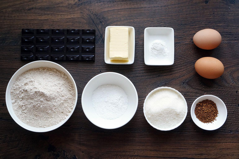 Ингредиенты для шоколадного печенья с трещинками