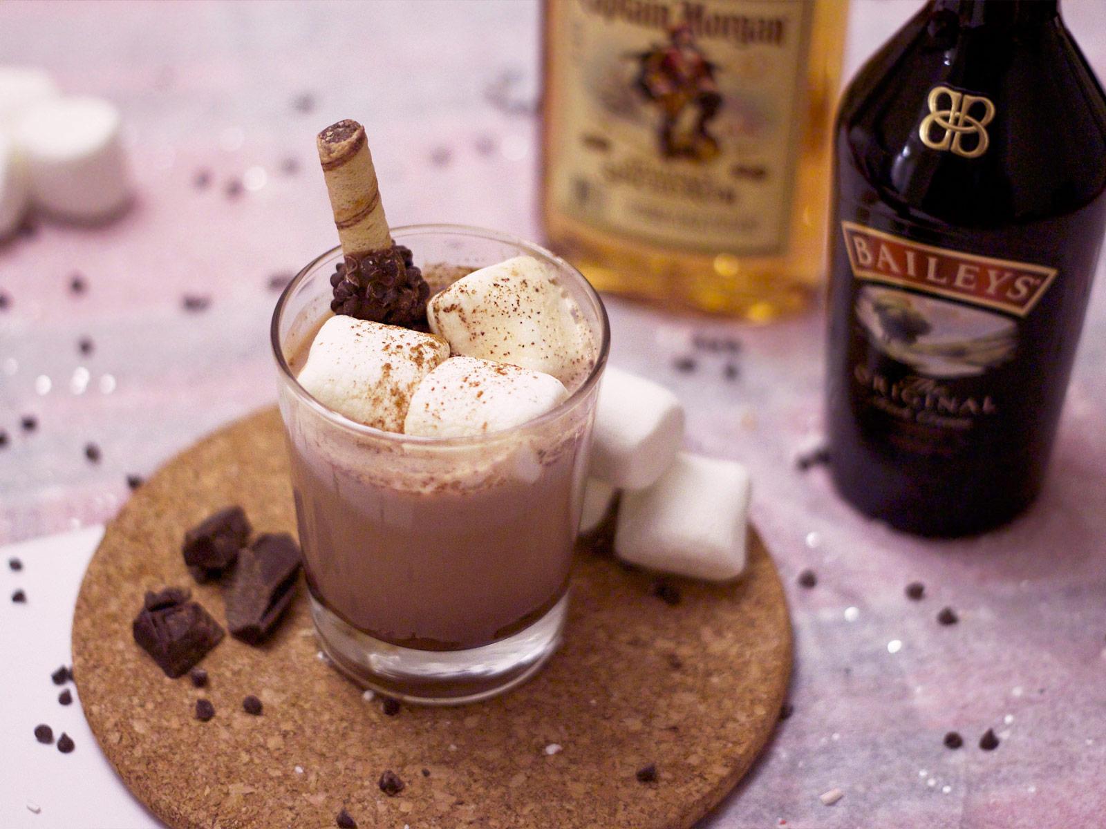 Коктейль с шоколадным ликером