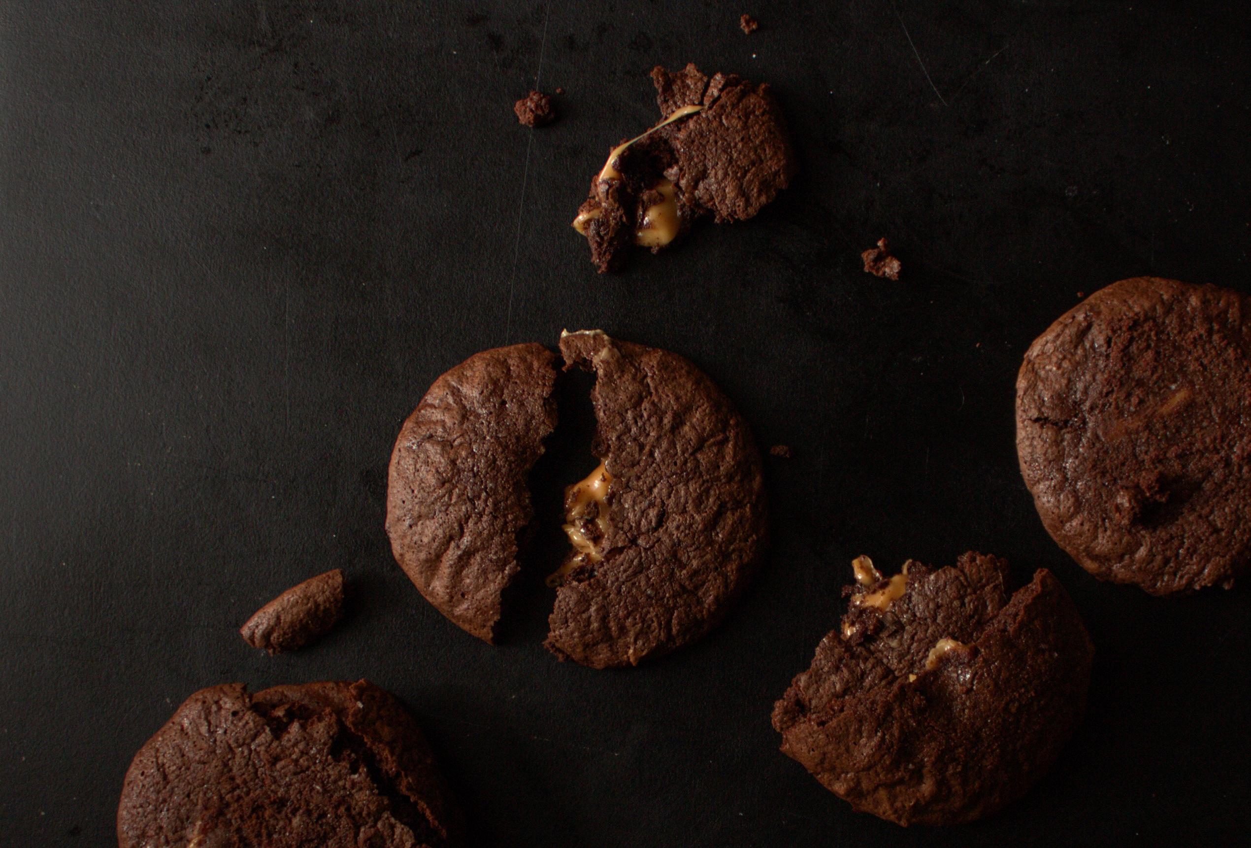 Печенье брауни с карамелью