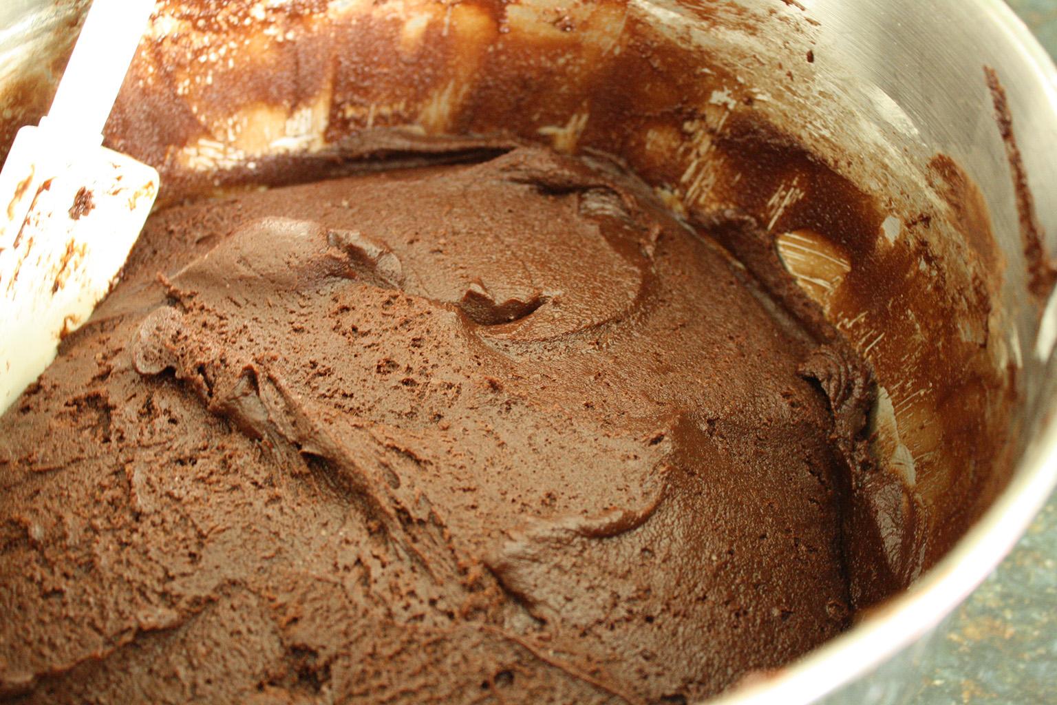 Приготовление шоколадного теста для торта